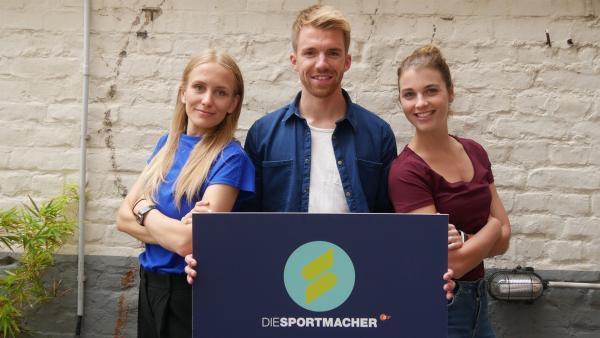 Susanne Schlüter, Stefan Bodemer und Laura Knöll präsentieren Sport in all seiner Vielfalt. | Rechte: ZDF/Leonie Richter-Irps