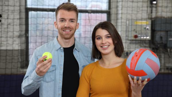Laura Knöll und Stefan Bodemer sind die Moderatoren der Sendung. (ab Folge 31) | Rechte: ZDF/Frank W. Hempel