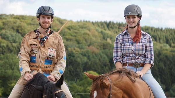 Auf den Sattel, fertig los! Für Winnetou-Fan Stefan geht beim Westernreiten ein Kindheitstraum in Erfüllung. | Rechte: ZDF/Fabian Gratzla