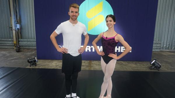 Stefan lernt Ballett von der mehrfach ausgezeichneten Nachwuchs-Ballerina Julianna. | Rechte: ZDF/Annalena Renneisen
