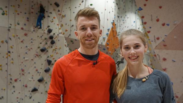 Klettern wird olympisch, daher will Stefan wissen, was genau dahinter steckt - das zeigt ihm Kletter-Profi Hannah Meul. | Rechte: ZDF/Annalena Renneisen