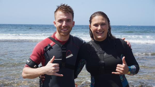 Stefan mit der Bodyboard-Weltmeisterin Alexandra Rinder | Rechte: ZDF/Annalena Renneisen