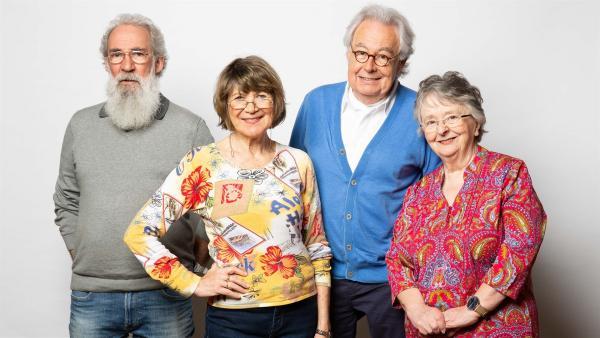 Heino (71), Edda (76), Hubert (71) und Trish (73) hingegen ziehen in der gleichen Zeit in ein Smarthome. | Rechte: ZDF/Hajo Drees