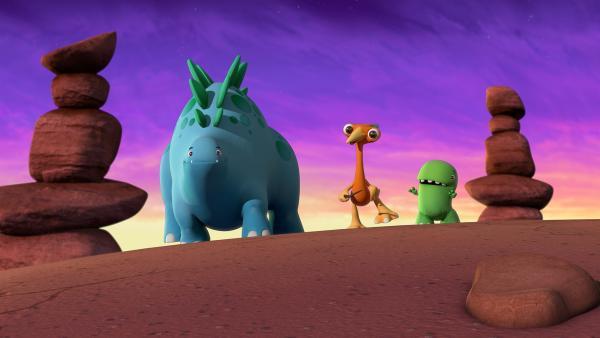 Bob, Gwen und Toni wandern durch die Wüste.  | Rechte: KiKA/Kindle Entertainment Ltd., Guru Studios Ltd. & Laughing Gravy Media Ltd. 2014