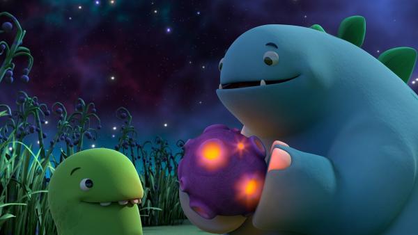Bob hält das Ding, das vom Himmel gefallen ist, ganz fest. | Rechte: KiKA/Kindle Entertainment Ltd., Guru Studios Ltd. & Laughing Gravy Media Ltd. 2014