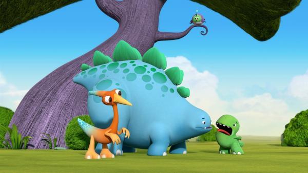 Bob und Gwen wundern sich, wohin Tonis Stimme verschwunden ist. Der kleine Vogel schaut ihnen dabei zu. | Rechte: KiKA/Kindle Entertainment Ltd., Guru Studios Ltd. & Laughing Gravy Media Ltd. 2014