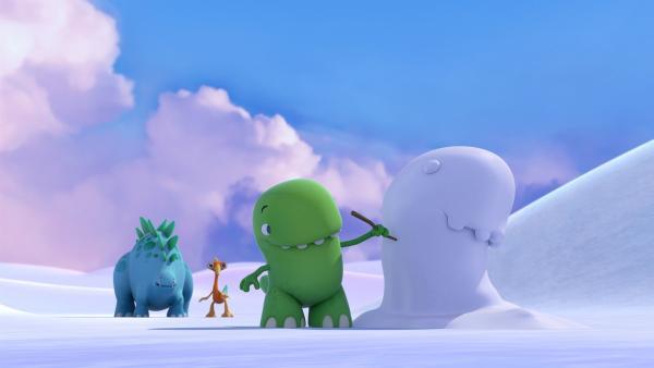 Toni hat einen Schnee-Dinotap gebaut. Bob und Gwen halten zunächst Abstand. | Rechte: KiKA/Kindle Entertainment Ltd., Guru Studios Ltd. & Laughing Gravy Media Ltd. 2014