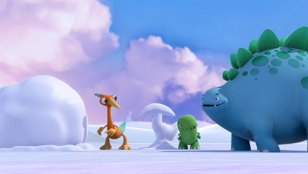 Gwen, Toni und Bob mit Gwens Schnee-no-tap. Gleich wird einer für Bob entstehen. | Rechte: KiKA/Kindle Entertainment Ltd., Guru Studios Ltd. & Laughing Gravy Media Ltd. 2014