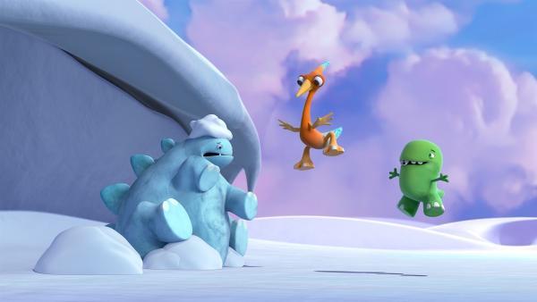 Bob ist eingefroren. Gwen und Toni versuchen, ihn mit Springen aufzuwärmen. | Rechte: KiKA/Kindle Entertainment Ltd., Guru Studios Ltd. & Laughing Gravy Media Ltd. 2014