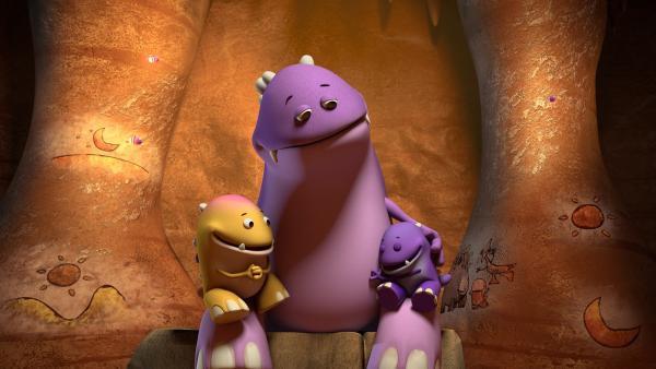 Endlich ist es soweit! Die Dinotaps-Mama erzählt ihren beiden Kindern DIE Geschichte. | Rechte: KiKA/Kindle Entertainment Ltd., Guru Studios Ltd. & Laughing Gravy Media Ltd. 2014