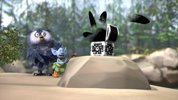 Die hinterlistige Elfe Grizel hat zusammen mit Mungo die Farbtauschbox von Fizzy geklaut. Grizel gelingt es sogar, einen Zauberspruch zu finden, der jedoch nur schwarze Farbe hervorbringt. | Rechte: ZDF/Fizzy Productions ltd.