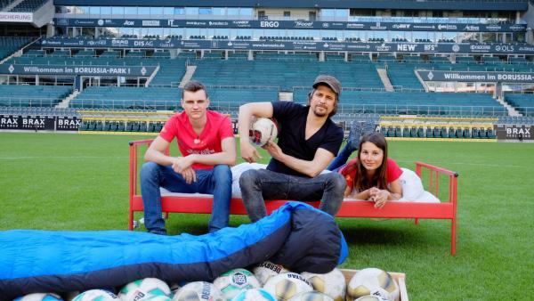 Die Kandidaten im Fußballstadion | Rechte: ZDF