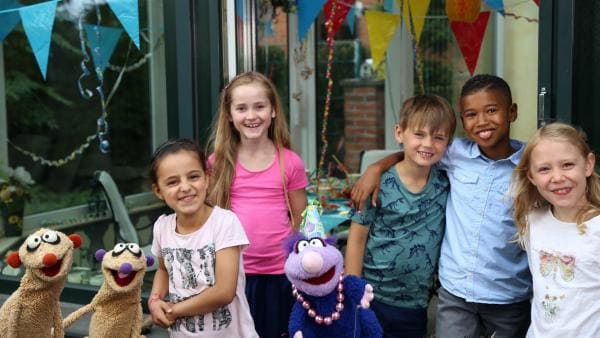 Die Geburtstagskinder und Jan & Henry. | Rechte: NDR/bigSmile