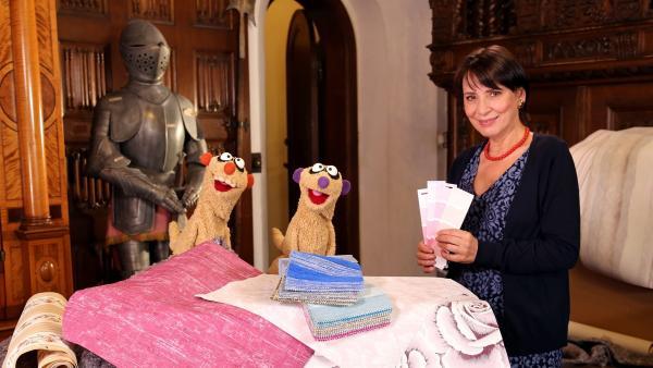 Jan & Henry besuchen die Gräfin (Ute Willing) im Schloß. | Rechte: bigSmile/NDR