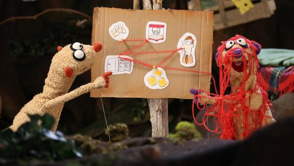 Jan und Henry versuchen das Rätsel um die verschwundenen Sachen zu lösen. | Rechte: NDR/bigSmile