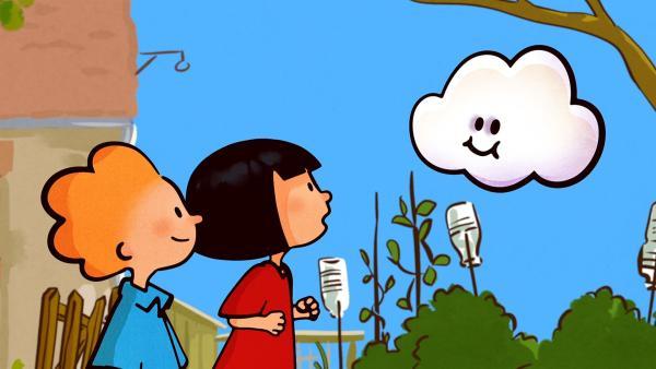 Oskar und Ella gaukeln Huu vor, er hätte Post von den Wolken bekommen. | Rechte: SWR/NORMAAL