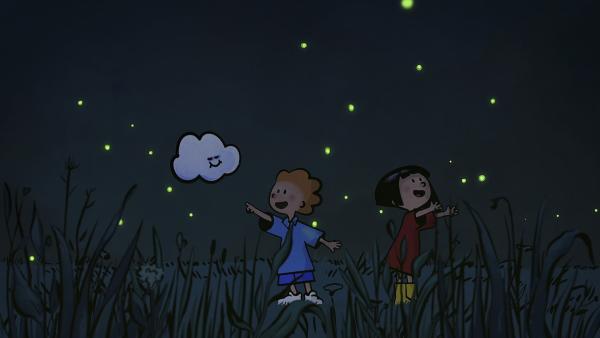 Die Glühwürmchen vertreiben Oskars und Ellas Angst im Dunklen. | Rechte: SWR/NORMAAL