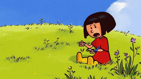 Ella ist entsetzt: der schöne Gleitflieger ist zerbrochen! | Rechte: SWR/NORMAAL