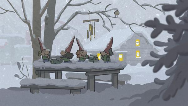 Hinter dem Wald befindet sich eine mysteriöse Hütte. Ist es gar die vom Weihnachtsmann?   Rechte: SWR/NORMAAL