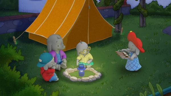Ella bringt ihren Freunden Marshmallows. | Rechte: KiKA/TVOKids/FremantleMedia Kids & Family Entertainment/DHX Cookie Jar Inc.