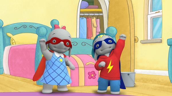 Ella und Frankie schlüpfen in die Kostüme von Superhelden.  | Rechte: KiKA/TVOKids/FremantleMedia Kids & Family Entertainment/DHX Cookie Jar Inc.