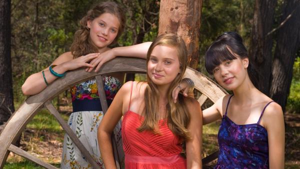 Emma, Ally und Jackie auf Allys Farm | Rechte: NDR/Southern Star