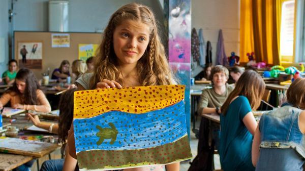 Emma mit Bild | Rechte: NDR/Southern Star