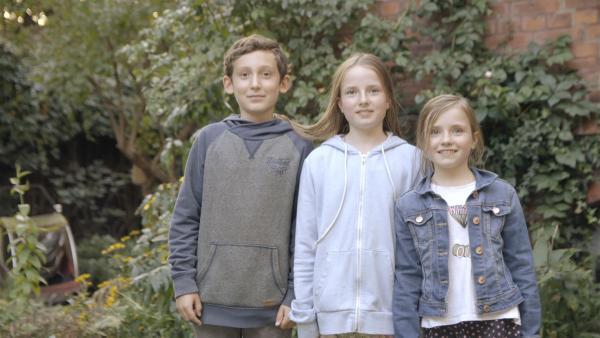 Lotta, Hanna und Simon stellen sich vor. | Rechte: KiKA