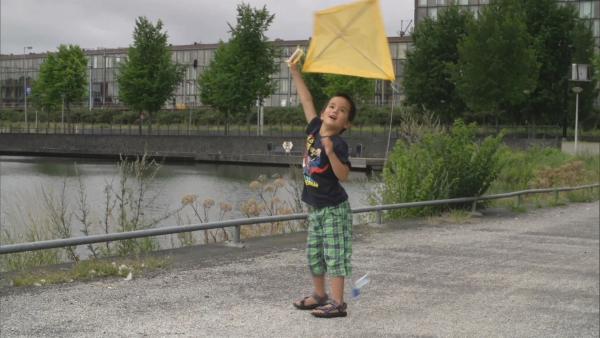 Yunde testet seinen Drachen. | Rechte: KiKA/Motion Works GmbH
