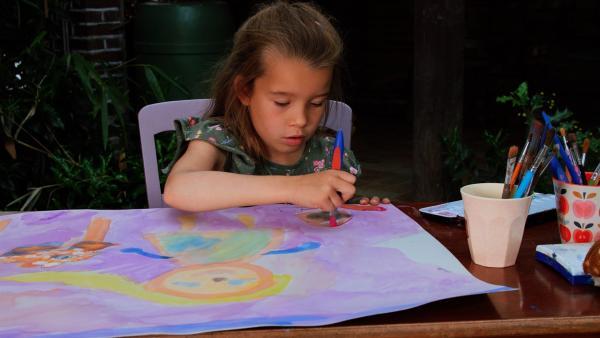 Frida malt sich als Tierärztin. | Rechte: KiKA/Motion Works GmbH