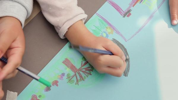 Gewohnter Rhythmus für jüngere Kinder | Rechte: KiKA