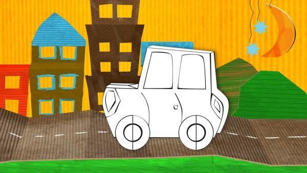 Das gebastelte Auto aus Papier von ENE MENE BU fährt durch eine Stadtlandschaft.   Rechte: KiKA