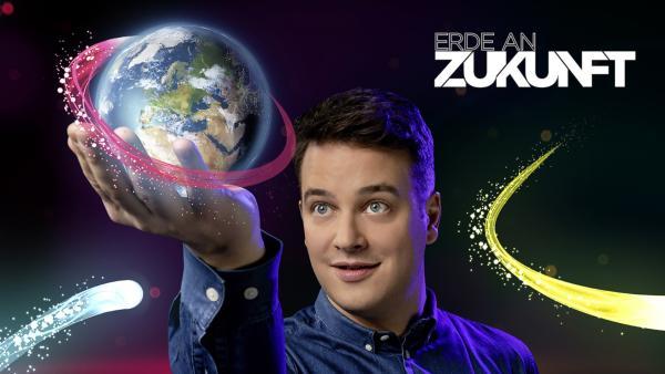 """ERDE AN ZUKUNFT"" Moderator Felix | Rechte: KiKA/Carlo Bansini"