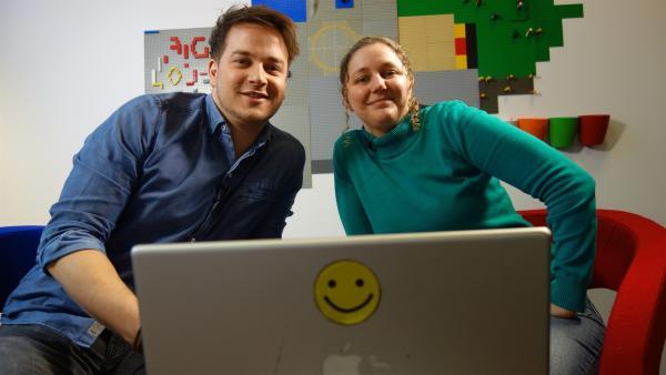 Felix mit Datenexpertin Leena Simon | Rechte: KiKA/tvision GmbH