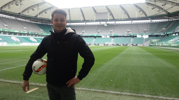 Felix in der Arena des VfL Wolfsburg                       | Rechte: KiKA/tvision GmbH