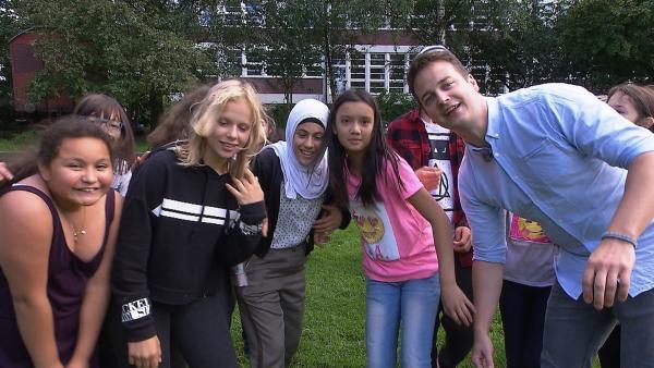 Felix besucht die Zukunftsmacher an ihrem letzten Projekttag in Hamburg. | Rechte: KiKA