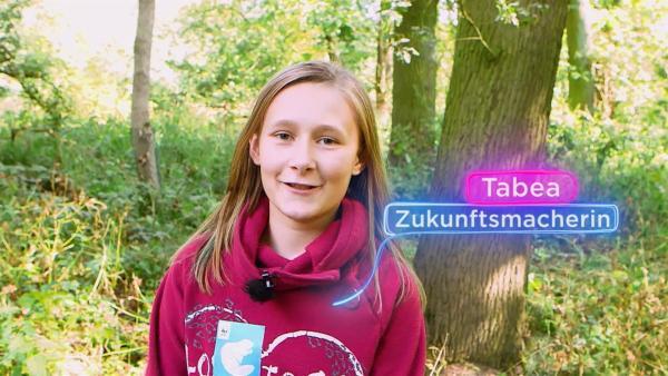 Zukunftsmacherin Tabea engagiert sich beim Hochwasserschutz. | Rechte: KiKA