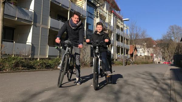 Felix ist den Konzepten autofreier Städte auf der Spur. | Rechte: KiKA/Sabine Krätzschmar