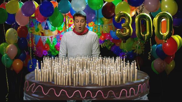 Wenn wir ewig leben würden, gäbe es gigantische Geburtstagstorten. | Rechte: KiKA