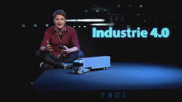 Im Moment steckt die Welt mitten in einer neuen industriellen Revolution – man spricht von Industrie 4.0. Felix schaut sich für euch an, was das bedeutet und wie Arbeit in Zukunft aussehen wird. | Rechte: KiKA