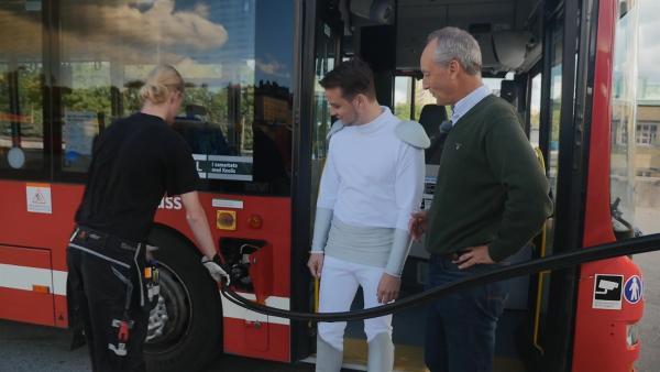 Durch die Müllverwertung entsteht Energie. Diese wird für die Busse genutzt. | Rechte: KiKA