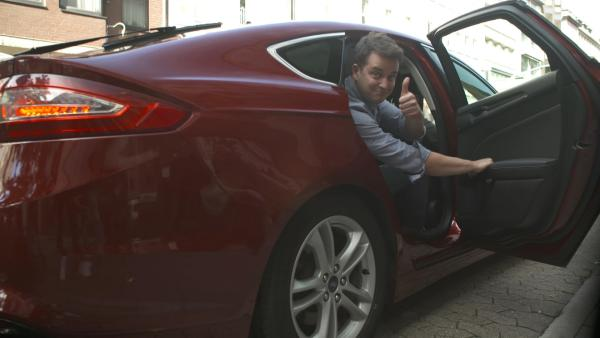 Die Deutschen fahren gerne Auto. Das hat Folgen. An einigen Tagen bilden sich bis zu 6000 Kilometer Stau. | Rechte: KiKA