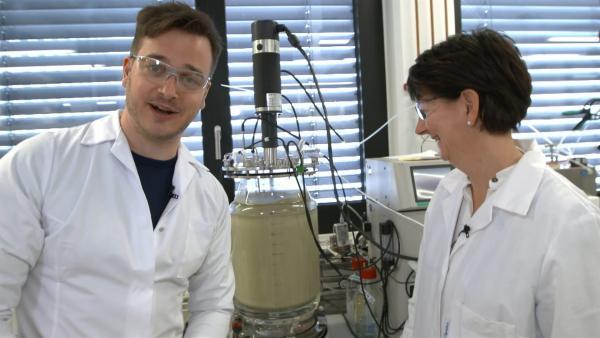 Eine Idee, wie Energie gespeichert werden kann: Mini-Lebewesen fressen Wasserstoff und CO2.  | Rechte: KiKA