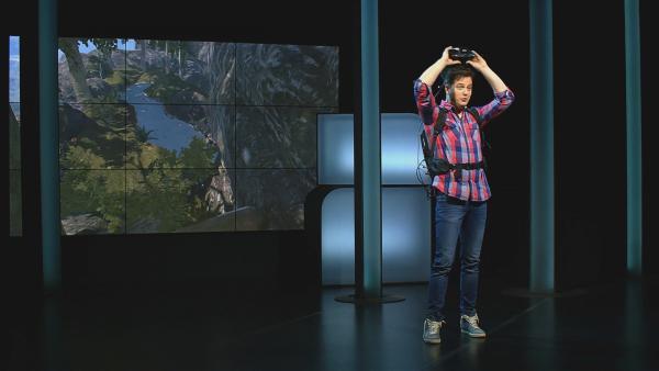 Felix ist begeistert von VR-Technik. Das wirkt so echt!   | Rechte: KiKA