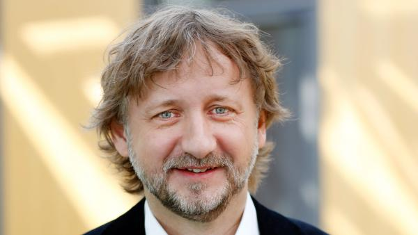 Sebastian Debertin | Rechte: KiKA/Carlo Bansini