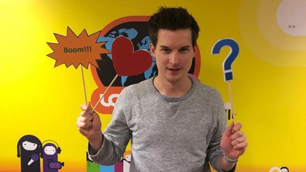 logo!-Moderator Tim mit Emojis | Rechte: ZDF