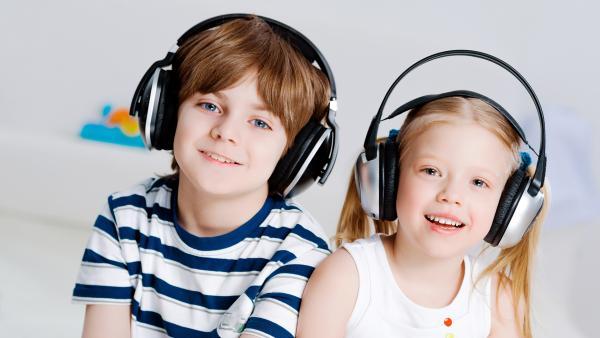 Kinder mit Kopfhörern | Rechte: Clourbox