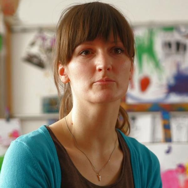 Portrait von Katharina Ain | Rechte: KiKA