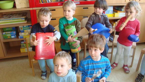 Kinder des Kochlöffel-Tanzorchesters   Rechte: KiKA
