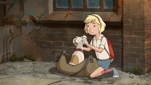 Während Sophie im Urlaub ist, passt Fritzi auf ihren Hund Sputnik auf. | Rechte: MDR/Spilling